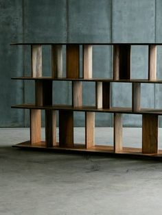 Solid wood shelf 'Rack' by Heerenhuis Manufactuur.
