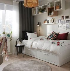 Strawberry Party: 60 decorating ideas and theme pictures - Home Fashion Trend Ikea Small Spaces, Small Space Bedroom, Small Space Living, Small Rooms, Small Apartments, Small Living Room Storage, Ikea Living Room Furniture, Small Apartment Furniture, Living Room Furniture Arrangement