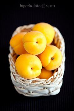 Yellow | Giallo | Jaune | Amarillo | Gul | Geel | Amarelo Apricots