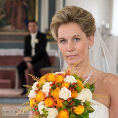 Brud med buket  #Brud #Bride #Bryllup #Kirkebryllup #Bryllupsfotograf #Intofoto #Bryllupsfoto #Bryllupsfotografering #Hillerød #Nordsjælland