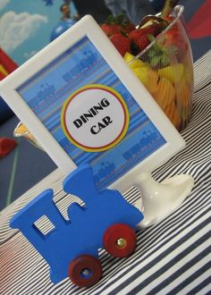put dining car sign on the pattern sheet and then write with the label
