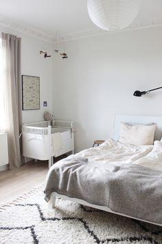 Scandinavian bedroom interior via Scandinavian Love Song
