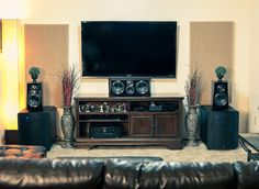 Chris in Alameda,CA Finding the balance between audio gear and room styling can be thorny. Chris from Almeda, California seems to have nailed it. #hometheater #homecinema #loudspeakers #subwoofer