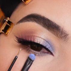 Soft Eye Makeup, Makeup Eye Looks, Blue Makeup, Glitter Makeup, Girls Makeup, Simple Makeup, Eyeshadow Makeup, Beauty Makeup, Makeup Inspo