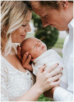 In-home newborn session, newborn family poses, newborn posing ideas, lifestyle newborn,