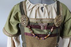 Hey, j'ai trouvé ce super article sur Etsy, chez https://www.etsy.com/ca-fr/listing/247170985/robe-tablier-de-viking-age