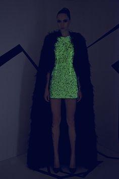 Rami Kadi Couture Fall 2015 >> lights off