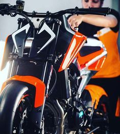 And this one is the KTM 790 Duke concept. Its a twin cylinder and will reach production late 2017.  #790Duke #eicma #eicma2017 #iamabiker #ktm