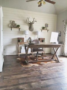 Vintage and Rustic Home Office Desk 5 - a vender - Bathroom Towel Rustic Home Offices, Rustic Office, Office Decor, Farmhouse Office, Office Ideas, Rustic Apartment, Industrial Farmhouse, French Farmhouse, Farmhouse Ideas