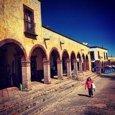 Los arcos de Ameyalco #iphoneography #iphoneonly #color #ameyalco #amealcodebonfil #Querétaro #quererteespoco #queretarotravel #travel #travelingram #arcos #otomí #street #streetphoto #streetphotography #townsville