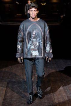 Dolce & Gabbana Fall 2020 Ready-to-Wear Fashion Show - Vogue Dolce & Gabbana, Fashion Week, Fashion Show, Mens Fashion, Fashion Design, 2010s Fashion, Fashion Guide, Fashion 2018, Fashion Fall