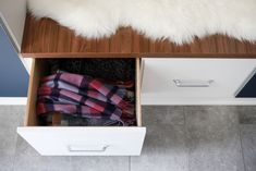 Drawers are a great way to store any loose items, such as scarves, mitts, hats. California Closets, Entryway Storage, Cubbies, Open Shelving, Mudroom, Storage Ideas, Living Area, Drawers, Scarves