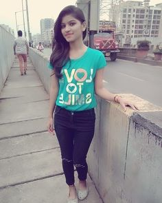 Hey Sweetie Visit our Website and enjoy with our Girls Quizzes ! Stylish Girls Photos, Stylish Girl Pic, Stylish Boys, Beautiful Girl Photo, Beautiful Girl Indian, Village Girl Images, Girl Pictures, Girl Photos, Girls Group Names