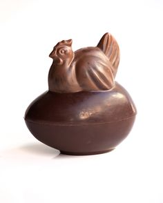 Avaliable are milk, white and dark chocolates to make the figures. Also it is possible to colour separate parts in different colours or chocolates.