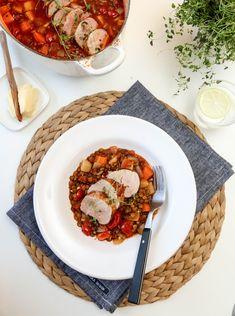 I dag kan jeg friste med saftig svinefilet, servert i en smakfull linsegryte med blant annet rotgrønnsaker og spicy chorizo. Ypperlig helgemat!