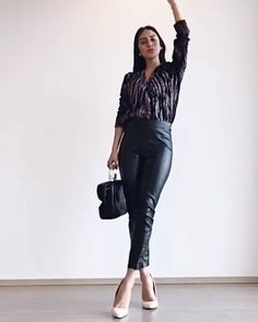 Are you ready to look stylish and cool this summer? If you looking for some summer outfit inspiration, you're absolutely on the right article girls! High Heels Outfit, Heels Outfits, Classy Outfits, Stylish Outfits, Fall Fashion Outfits, Look Fashion, Womens Fashion, Outfit Vestido Casual, Pretty Prom Dresses