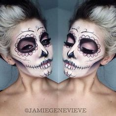 - Purpel/black sugerskull makeup -
