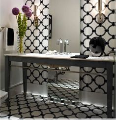 Bathroom <3 whate and black design