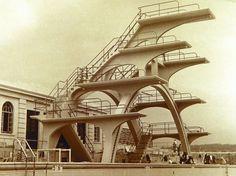 7 vintage diving boards for summer's last splash Concrete Architecture, Concrete Building, Bristol Channel, Weston Super Mare, Diving Board, Tower Design, Pool Accessories, Reinforced Concrete, Abandoned