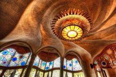 Gaudí e Casa Battló: funzionalità e poesia