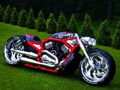 Custom Harley-Davidson Super-Charged V-Rod. http://musclehorsepower.com/turbocharged-custom-harley-davidson/ and/or http://fredy.ee/09-harley-davidson-vrscaw-v-rod-kristjan1/