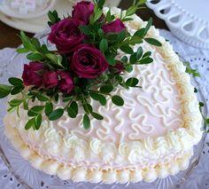 Heart Cake & Roses.   Simply lovely