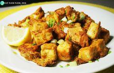 """Amerikkalaisissa vegaaniryhmissä on jo pitkään kiertänyt useampikin  """"popcorn tofun"""" resepti. Ylistyssanat ja herkulliset kuvat vakuuttivat  minut siitä, että tätä reseptiä on pakko kokeilla. Arjen pikaruokaa  parhaimmillaan kun koko ruuan valmistumiseen menee noin 15 minuuttia. Tämä"""