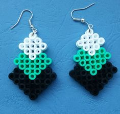 Easy Perler Bead Patterns, Diy Perler Beads, Perler Bead Art, Pearler Beads, Fuse Beads, Beaded Earrings Patterns, Beading Patterns, Bead Crafts, Jewelry Crafts