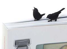 A bird-shaped clip. puhlmann bird clip - Matomeno
