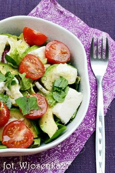Najzdrowsza sałatka z awokado Clean Recipes, Healthy Recipes, Healthy Food, Good Food, Yummy Food, Health Eating, Recipes From Heaven, Side Salad, Italian Recipes