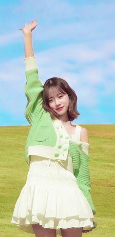 Cute Korean Girl, Asian Girl, Kpop Girl Groups, Kpop Girls, Ulzzang Hair, Korean Best Friends, Japanese Girl Group, Pinterest Fashion, Kim Min