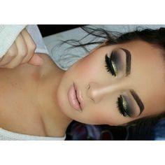 Glitter Smokey Eye