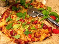 Tinskun keittiössä: Pizza Italiano karpisti Tommi Kankaan tapaan ja ajatuksia VHH-keittiö kirjasta