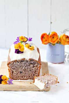 Ein Rezept für leckeren Blaubeerjoghurt-Kastenkuchen mit Orangenglasur - Zucker, Zimt und Liebe