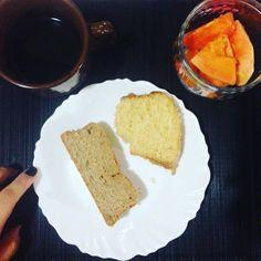 Café da manhã bolo de fuba  pão integral caseiro  mamão.  #saude #vidasaudavel #viverbem #fitness #eacolhas #RA #foconadieta #dieta #reeducao #aprenderacomer #receita #fit #fitness #eueliminandopeso #antesedepois #magra #verao #proteina #foco #meta #objetivo #menos5kg #determinacao #determination #focus #fit by projectmenos10kg http://ift.tt/1Z7YIzZ