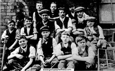 A Group of workers at John Crowley Co., Wincobank Location: Sheffield_Wincobank lads mostly 12 to 13 years old Picture Sheffield 13 Year Olds, Sheffield, Old Pictures, Yorkshire, Che Guevara, Art Projects, Nostalgia, Old Things, Crowley