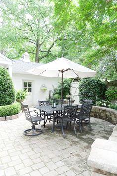 Backyard Patio Outdoor Seating with Umbrella