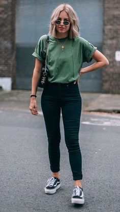 75 Cute Spring Outfits with Sneakers 2019 Fashiondioxide((( cool . Olive green is my favorite colour )))! The post 100 Cute Spring Outfits with Sneakers 2019 appeared first on Casual Outfits. Cute Spring Outfits, Cute Casual Outfits, Edgy Outfits, Mode Outfits, Summer Jean Outfits, Best Outfits, Uni Outfits, Cute Jean Outfits, Outfits With Jeans