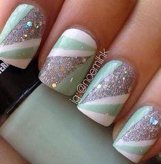 Stripe nail art