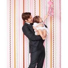 Adorable #DIY #background for a fun #photobooth pic! Photo via #marthastewartwedding