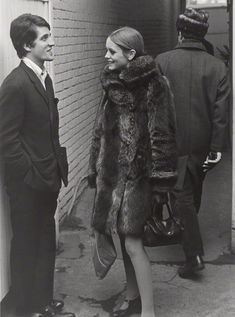 Twiggy 1965 Swinging sixties, mod vintage fashion, Twiggy style icon, Twiggy hair