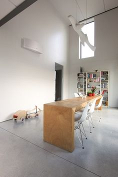 An air conditioning with award-winning design and cutting-edge Japanese technology when we consider an air conditioning comes to mind white box, not too stylish