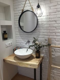 √the women's project is great for your modern bathroom or vintage to look amazing and unique 45 Modern Sink, Modern Bathroom, Small Bathroom, Mirror Bathroom, Small Space Interior Design, Home Design, Bathroom Trends, Bathroom Interior, Ideas Baños
