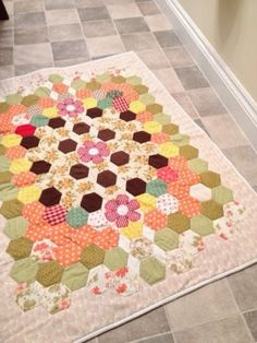 Craft House Magic: Completed hexi quilt for Linus charity