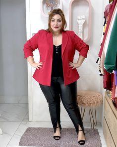 Como usar calça de couro plus size: dicas e inspirações - JUROMANO.COM Blazers, Driving Shoes Men, Thick Girl Fashion, Looks Plus Size, Estilo Boho, Casual, Sweaters, Jackets, Thin Girl