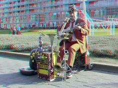 https://flic.kr/p/DZQe2g | Muzikant Ben Jur op Hoogstraat Rotterdam 3D | anaglyph stereo red/cyan