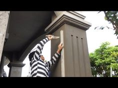 How To Build A Beautiful Pillar For The House - Render Sand and Cement House Balcony Design, House Gate Design, House Front Design, Classic House Design, My Home Design, Concrete Fence Wall, Classic Fence, House Pillars, Cement Design