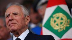 Il presidente emerito della Repubblica si è spento a 95 anni. Livornese e governatore di Bankitalia negli anni Ottanta, venne scelto dai partiti fuori