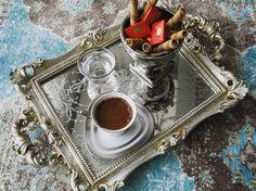 Turkish Coffee - Türk Kahvesi - Sunum