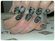 Black and white marble nails Bio Sculpture Gel, Black And White Marble, Marble Nails, Nail Art, Beauty, Marbled Nails, Nail Arts, Beauty Illustration, Nail Art Designs